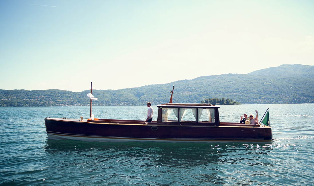 Vintage boat tours in Italy
